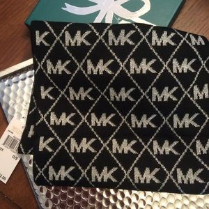 MICHAEL Michael Kors Logo Diamond Metallic Scarf